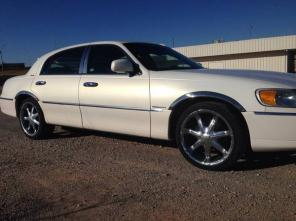 2002 lincoln town car *** EXTRA CLEAN ***